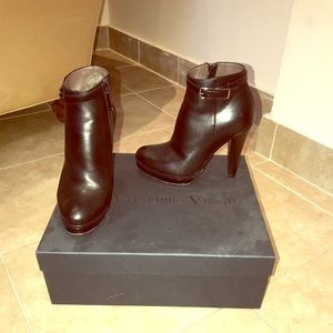 Vittorio Virgili Ankle Boots Size 35 Italy HP 🎉🎉
